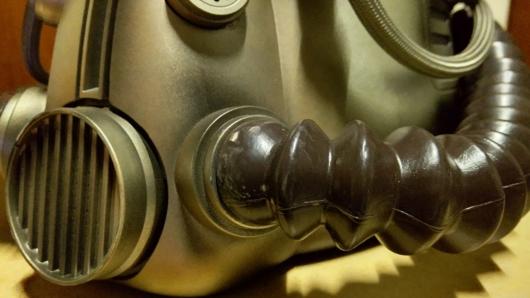 家に届いた「Fallout 76 Power Armor Edition (パワーアーマーエディション) 」のT51パワーアーマーヘルメットの汚れ
