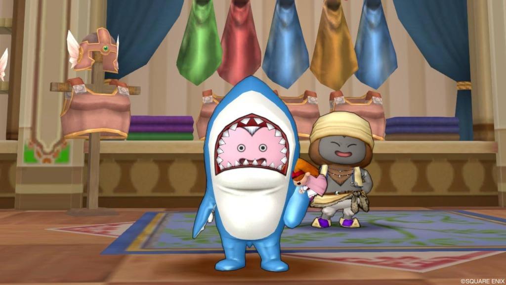 「サメきぐるみ」を身に着けたバルカズ